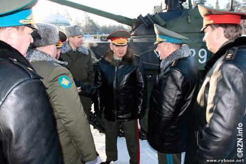 Сергей Шойгу сегодня посетил учебный центр в Сельцах