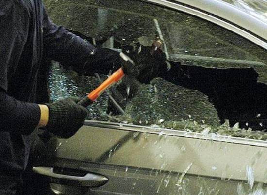 Баграмовец угнал автомобиль соседа, чтобы съездить за алкоголем в Рыбное