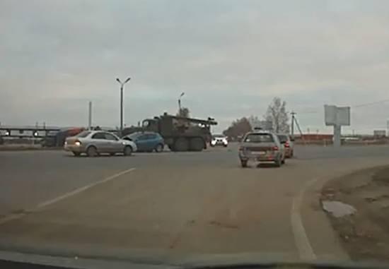 Авария на М5. Грузовик въехал в легковую. Видео