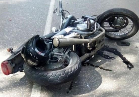 Мотоцикл столкнулся с внедорожником