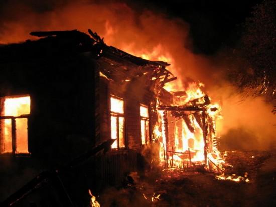В д. Пальные сгорел дом и два сарая