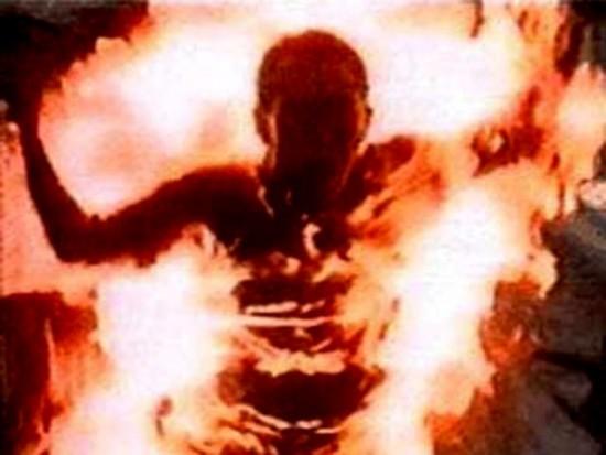 В ВЗТ мужчина сжег себя заживо