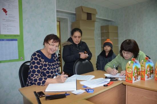 «Единороссы» провели новогоднюю акцию для многодетных семей