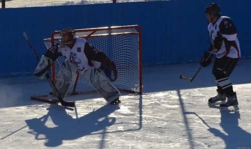В училище с. Пощупова вновь собрали хоккейную команду. Интервью