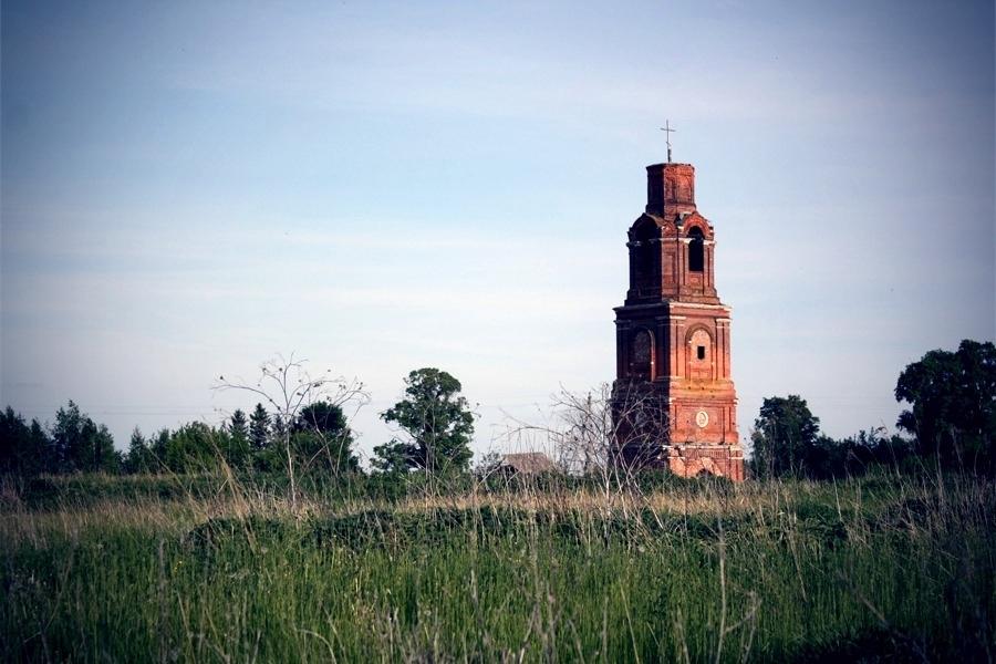 Колокольня и Борисоглебская церковь. Село Вакино Рыбновского района Рязанской области