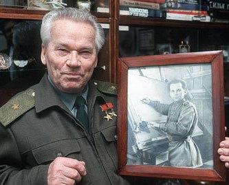 На 95 году жизни скончался великий оружейник России - Михаил Калашников